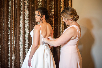 bride getting ready at wedding at the Grand Bohemian Hotel in Asheville NC