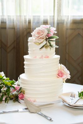 wedding cake by gateaux cakes at the Grand Bohemian Hotel in Asheville NC