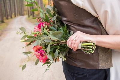 lake logan fall wedding ring and flowers matt and elizabeth