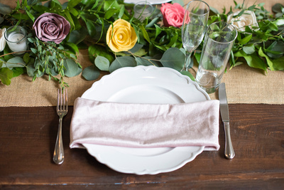 Wedding place setting at Hawkesdene wedding venue in Andrews NC near Asheville