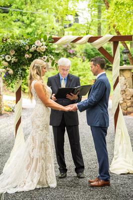 Wedding ceremony at Hawkesdene near Asheville