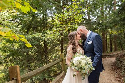 Wedding portait at Asheville Botanical Gardens