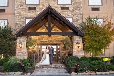 The Lodge at Flat Rock wedding photos near Hendersonville