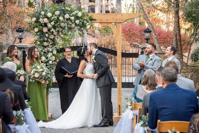 Wedding ceremony first kiss at Hawkesdene fall wedding