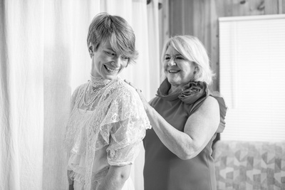 Bride getting ready with her mom at Engadine Inn Wedding in Asheville