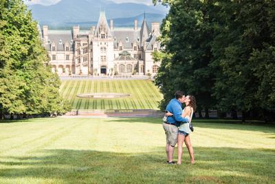 Engagement at Biltmore in summer in Asheville