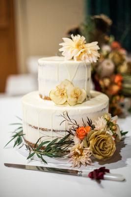 Fall wedding cake by Gateaux Cakes at Highland Lake Inn wedding
