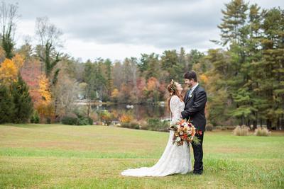 Fall wedding photos at Highland Lake Inn in Flat Rock NC