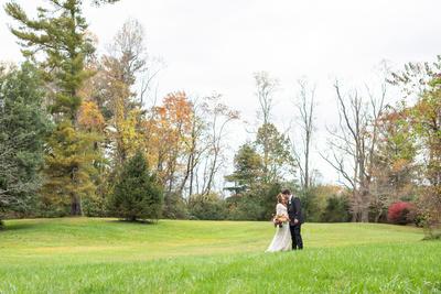 Highland Lake Inn wedding photos in field